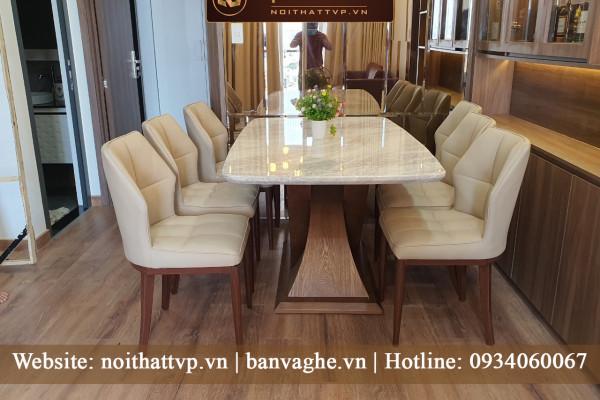 Bàn giao bộ bàn ăn mặt đá cẩm thạch chân gỗ teck nhập khẩu cao cấp nhà chị Ngọc quận 10